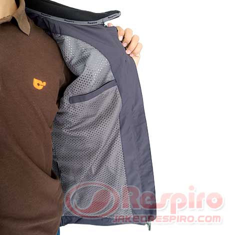 10.-Aerovent-R1.3-Inside-Pocket