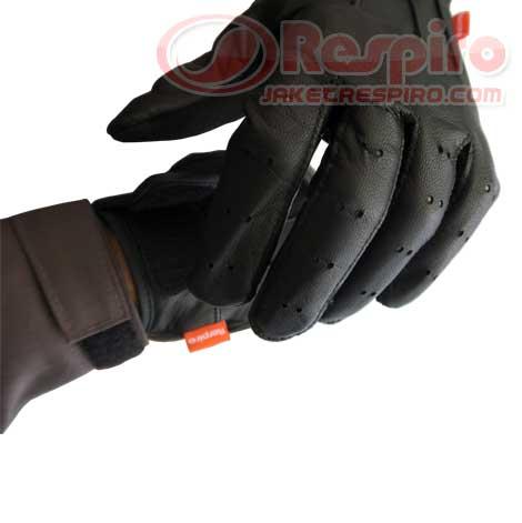 2-Glove-Skinner-respiro-label