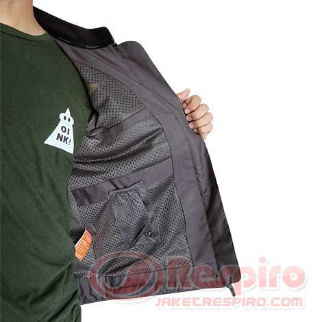 12.-Neos-R1.3-Inside-Pocket
